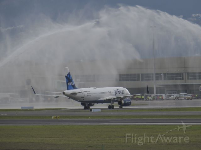 Airbus A320 (N828JB) - Maiden flight of JetBlue to Quito from Fort Lauderdale as JBU2851