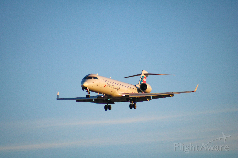 Canadair Regional Jet CRJ-700 — - Coming in from KLAX.