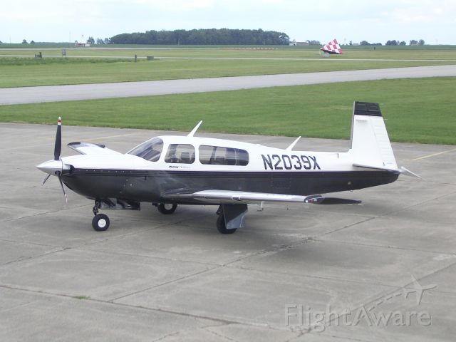 Mooney M-20 Turbo (N2039X)