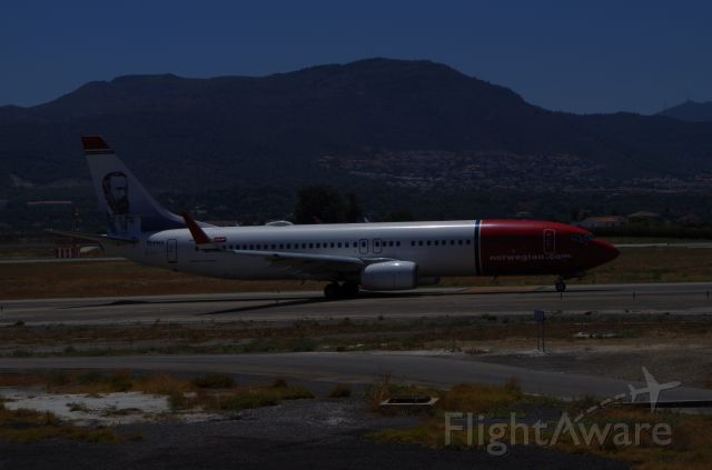 Boeing 737-800 (EI-FHX) - Taxing to takeoff at Malaga Airport.