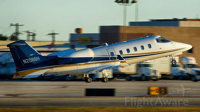 Learjet 60 (N208BH) - 22 departure.