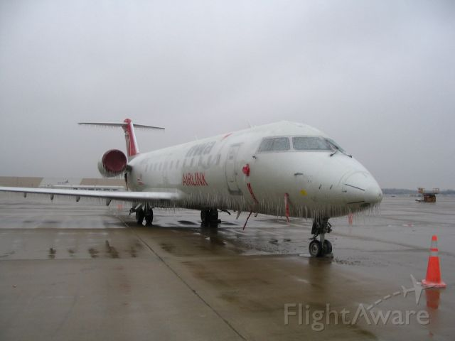 Canadair Regional Jet CRJ-200 — - Isnt it pretty......what an operation......go Pinnacle Airline