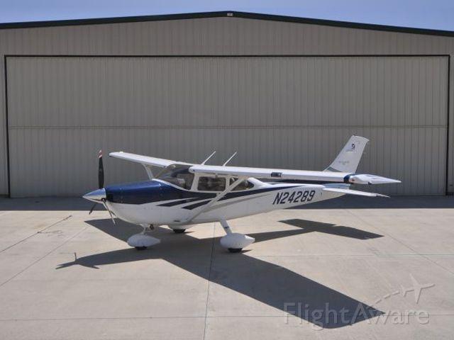 Cessna Skylane (N24289)