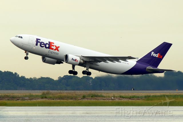 Airbus A300F4-600 (N674FE) - FDX 3601 departing for Indianapolis