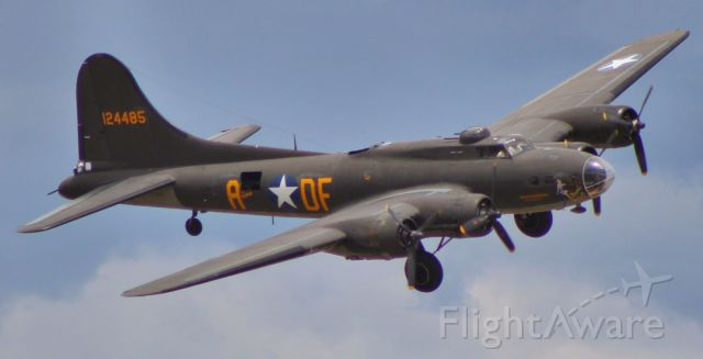 Boeing B-17 Flying Fortress (N3703G) - Liberty Foundation Boeing B17 Memphis Belle turns final for runway 16 at South Valley Regional Airport (KU42)