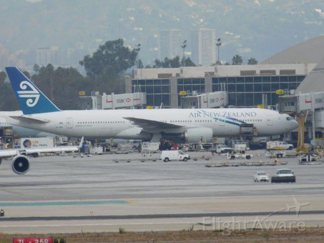 """Boeing 777-200 (ZK-OKE) - <a rel=""""nofollow"""" href=""""http://www.youtube.com/watch?v=MtV_8_ZGQJk"""">https://www.youtube.com/watch?v=MtV_8_ZGQJk</a>"""