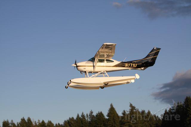 Cessna Skylane (N171U) - Black Diamond, WA