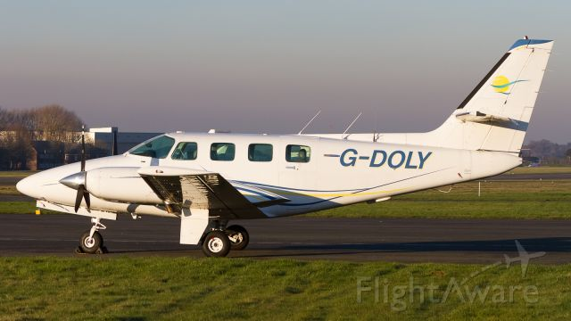 Cessna T303 Crusader (G-DOLY)