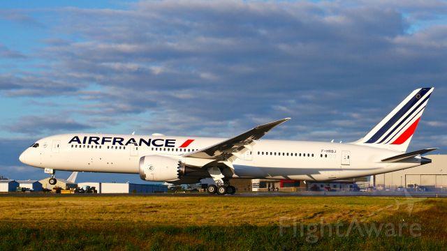 Boeing 787-9 Dreamliner (F-HRBJ) - BOE338 landing on Rwy 34L to complete a flight test on 7.17.20. (ln 1013 / cn 42497).