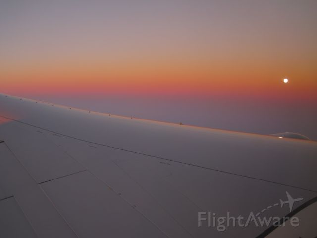 BOEING 757-300 — - Morning flight from KFLL on route to KIAH with the Moon on the horizon.