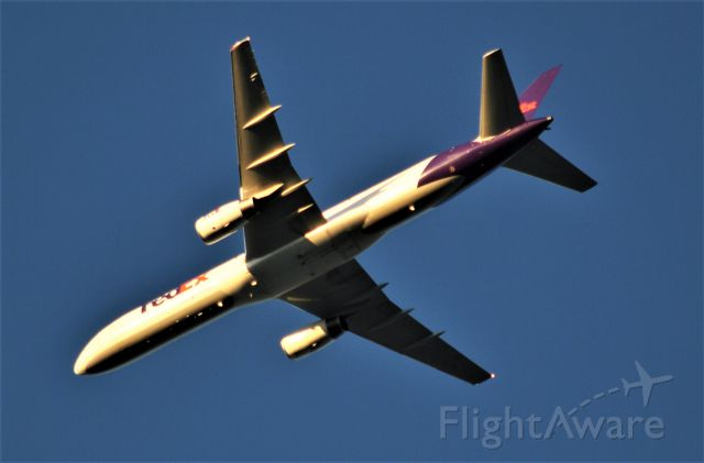Boeing 757-200 — - over my house on downwind at 8000
