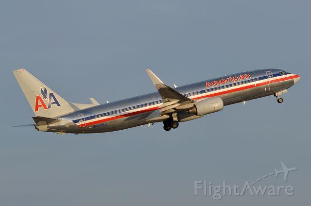 Boeing 737-800 (N800NN)