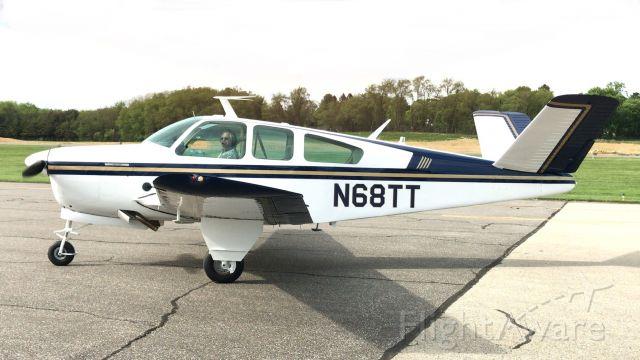 Beechcraft 35 Bonanza (N68TT)