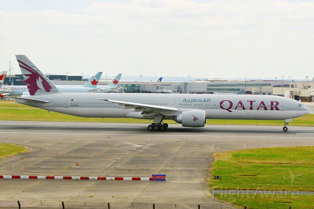 BOEING 777-300 (A7-BAN)
