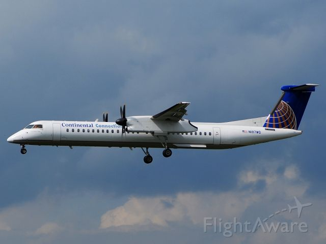 de Havilland Dash 8-400 (N187WQ)