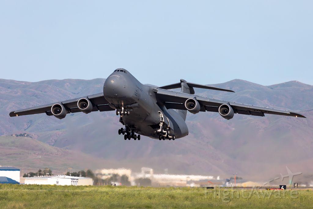 Lockheed C-5 Galaxy (87-0034) - Full Quality Photo --> https://www.airliners.net/photo/USA-Air-Force/Lockheed-C-5M-Super-Galaxy-L-500/6047263?qsp=eJwtjDEKAkEMRe%2BS2kYEi%2B3UThAtvEBIPrq4OkMScIdl724Y7B7vf95CUj6BOe6tggZysMmTNlTZ%2BO00LPRC%2BxbTZDqdLwUOy92LxbGlUw4cRFAD%2BvdX0/zkBJeeemR6mwC7dabdPr2OXifuDQSPE63rD7a5L5M%3D