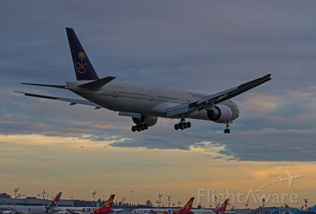 Boeing 777-200 (HZ-AK21)