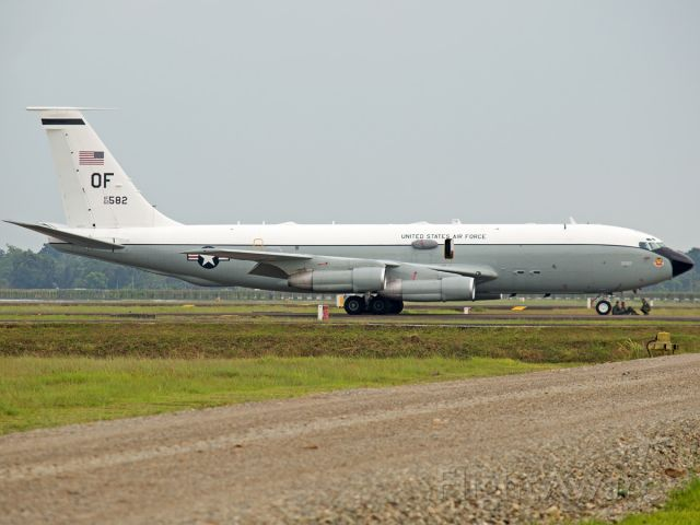 Boeing C-135B Stratolifter (62-3582) - A military cargo aircraft United States must emergency landing in Sultan Iskandar Muda Aiport, Banda Aceh, Aceh on Friday Marc 24 2016. The aircraft must landing because one of the engines caught fire.