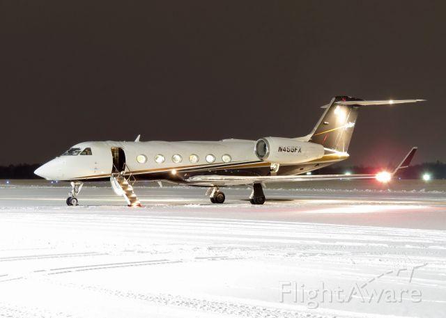 Gulfstream Aerospace Gulfstream IV (LXJ455) - LXJ455 with early morning snow.