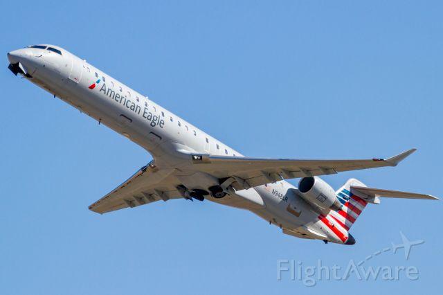 Canadair Regional Jet CRJ-900 (N948LR)