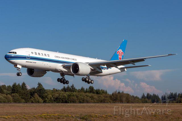 Boeing 777-200 (B-2042)