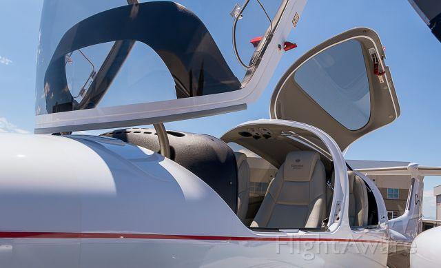 Diamond Twin Star (C-GVCE) - US Aircraft Expo @ KAPA 7/13/18