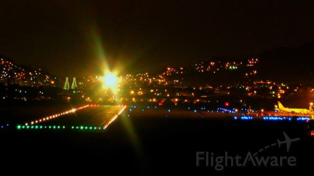 Airbus A320 — - AIRBUS A320-214 OF TAM AIRLINES LANDING AT NIGHT IN VITORIA-ES, BRAZIL.