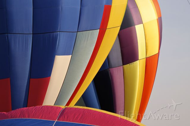 Unknown/Generic Balloon (N120LE) - Hot air balloons taking off in the Great American Balloon Race