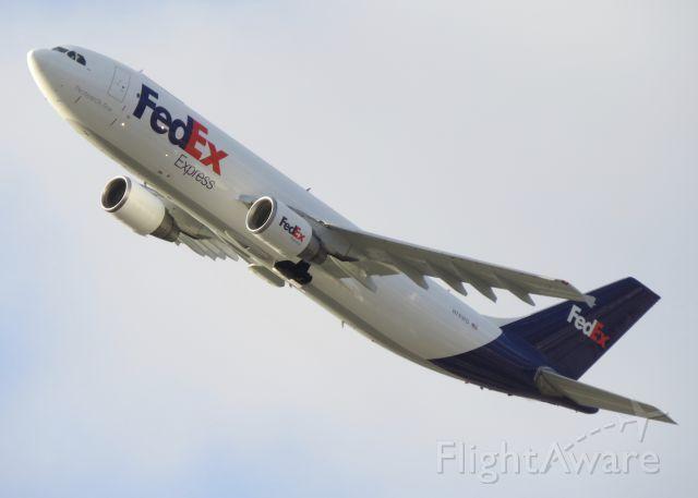 Airbus A300F4-600 (N743FD) - FDX427 departing KCLE for KMEM <br /><br />04/05/2016