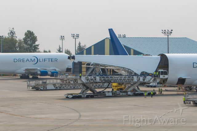 Boeing 747-200 (N747BC) - Dream)Lifter #2 unloads a pair of 787 wings at KPAE