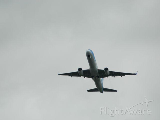 Boeing 757-200 (G-CPEV)