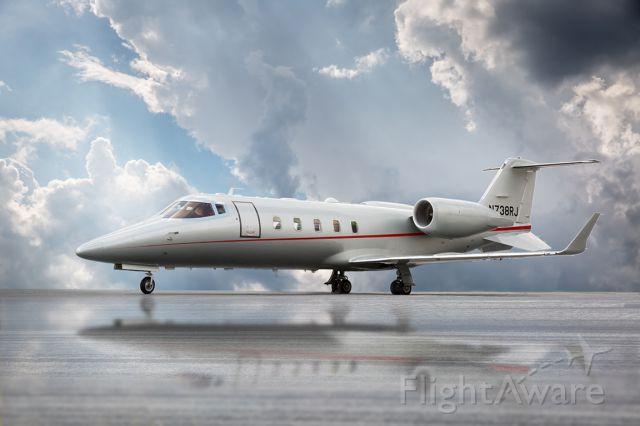 Learjet 60 (N738RJ)