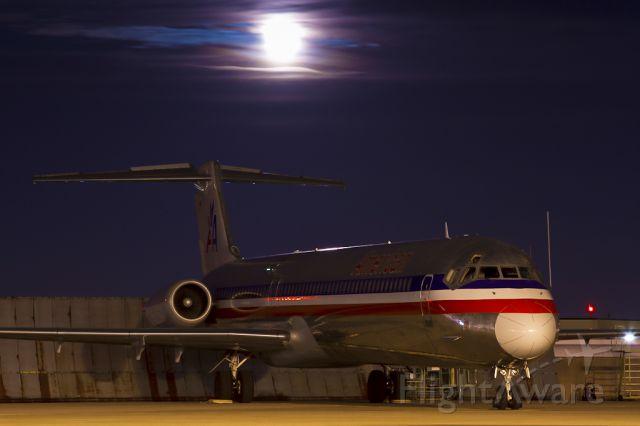 McDonnell Douglas MD-82 (N558AA) - Nov. 11, 2011.