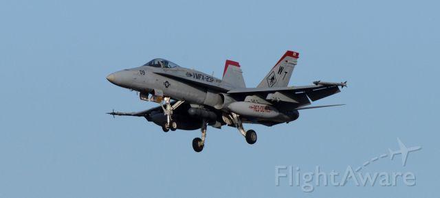 McDonnell Douglas FA-18 Hornet — - phoenix sky harbor 22NOV19