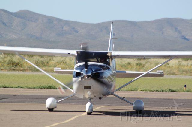 Cessna Skylane (N2212U)