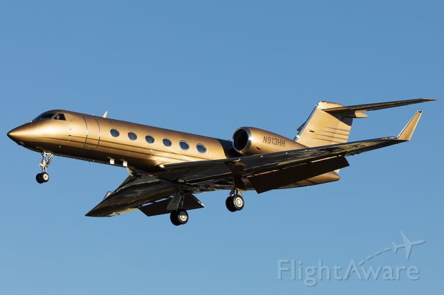 Gulfstream Aerospace Gulfstream IV (N913HH) - Arriving back home to KADS after a short hop from KDAL.