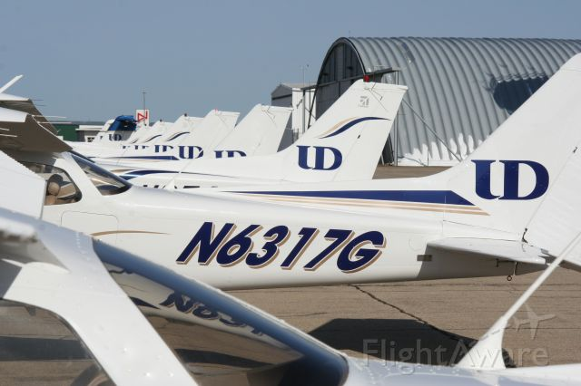 Cessna Skyhawk (N6317G)