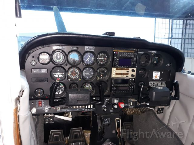 Cessna Skyhawk (N62GK) - Upgraded Panel