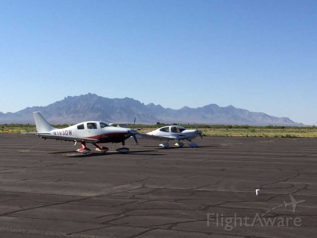 Cessna 350 (N193DW) - On a beautiful day back from California to Houston.  Deming Municipal in New Mexico
