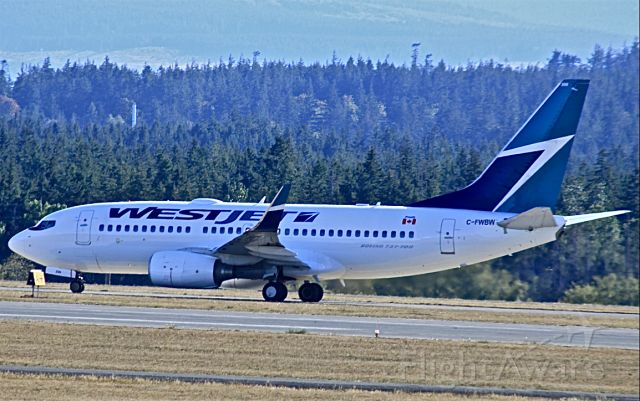 Boeing 737-700 (C-FWBW) - Taxiing out at Comox