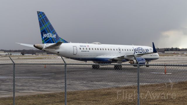 Embraer ERJ-190 (N203JB) - First time a JetBlue E190AR has come to KSBN.