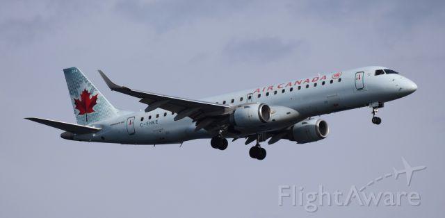 Embraer ERJ-190 (C-FHKE)