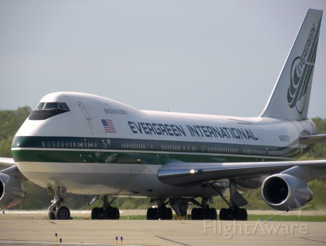Boeing 747-200 (N487EV)