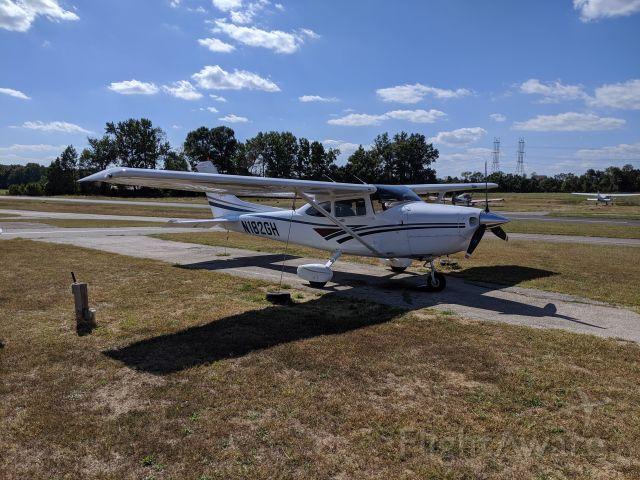 Cessna Skylane (N182GH)