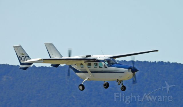 Cessna T337G Pressurized Skymaster (N31Z) - On final for 27 at Carson City