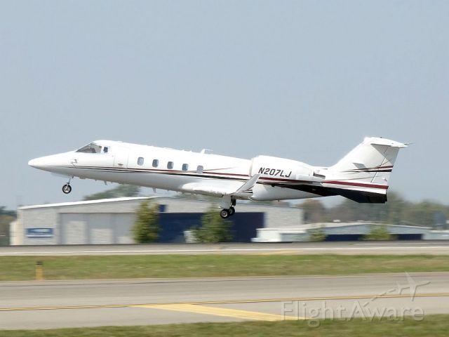 Learjet 60 (N207LJ)