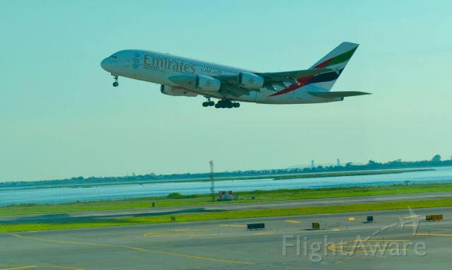 — — - Emirates taking off from JFK NYC airport (August 22nd, 2015)