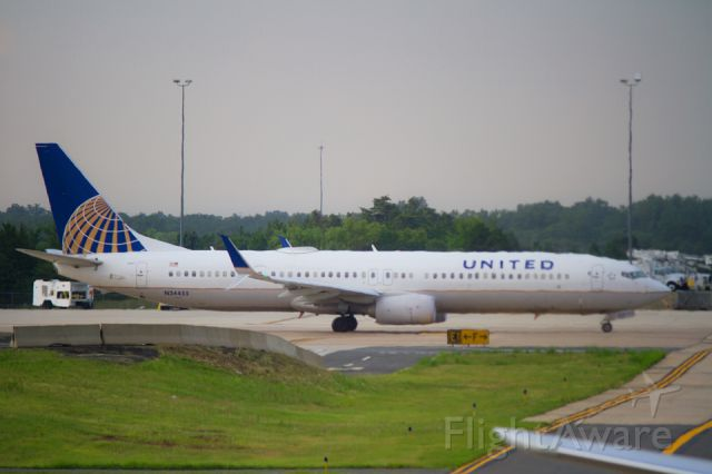 Boeing 737-900 (N34455) - N34455 United Airlines Boeing 737-924 (ER)(WL) at the Washington Dulles International Airport (IAD)