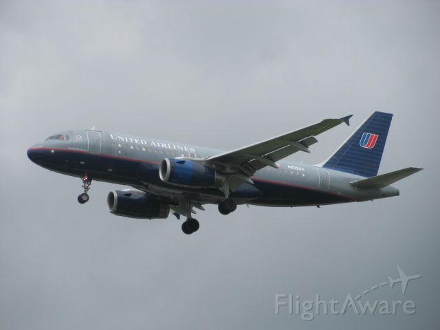 Airbus A319 (N832UA)