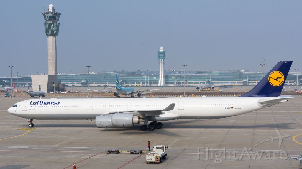 Airbus A340-600 (D-AIHY) - 2016:11:05 10:34:31<br />Incheon new terminal.
